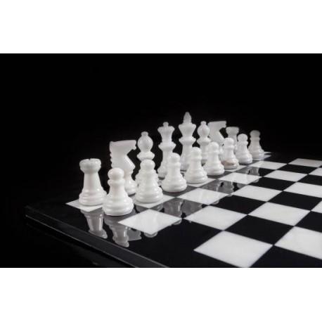Jeu d'échecs de luxe en albâtre noir et blanc